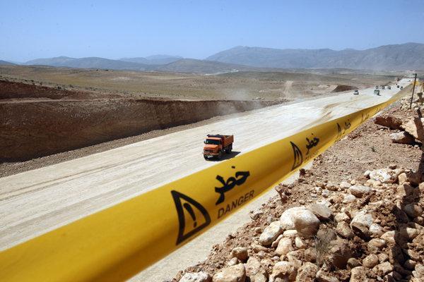 احداث آزاد راه شیراز - اصفهان آلودگی زیست محیطی ندارد