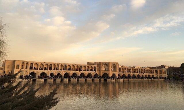تاج الدین: باز شدن زاینده رود نشاط اجتماعی را در اصفهان افزایش داد